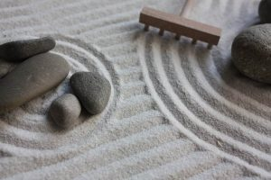 How To Make a Mini Zen Garden To Help You Relax (DIY) – FengShuiTricks