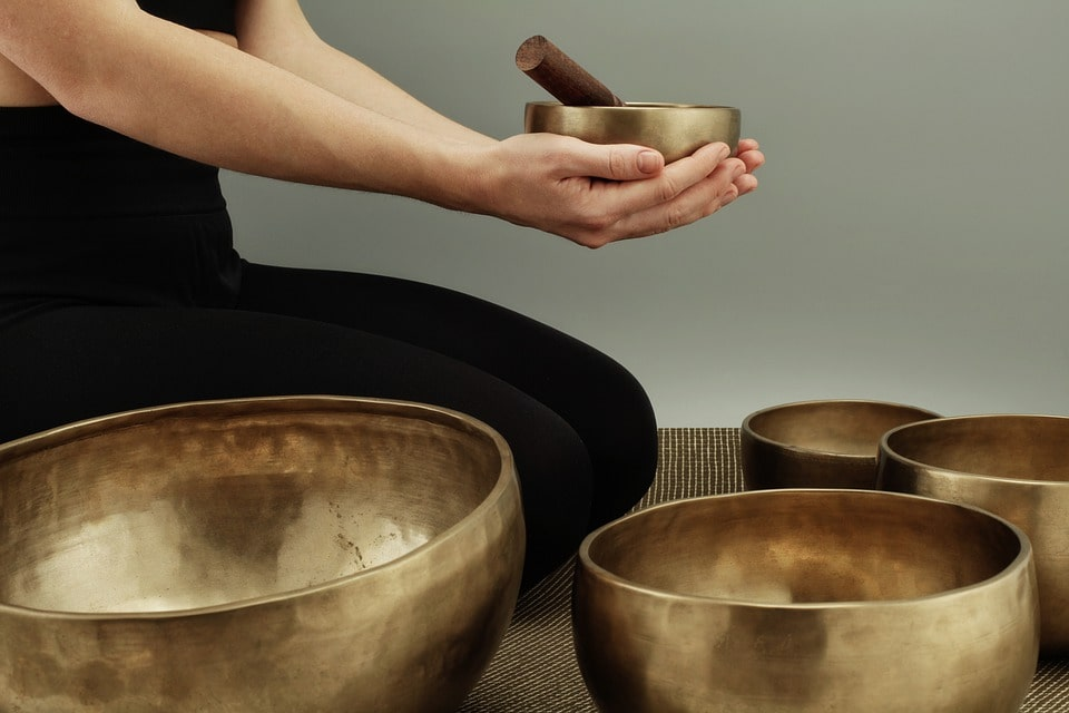 How To Use a Singing Bowl For Healing